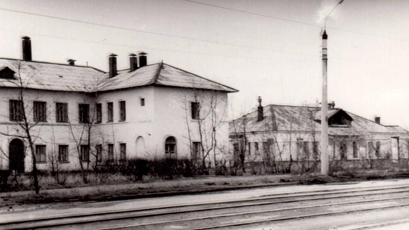 Первое здание Дзержинского онкологического диспансера на улице Черняховского